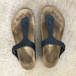 Birkenstock Gizeh sandals in black leather